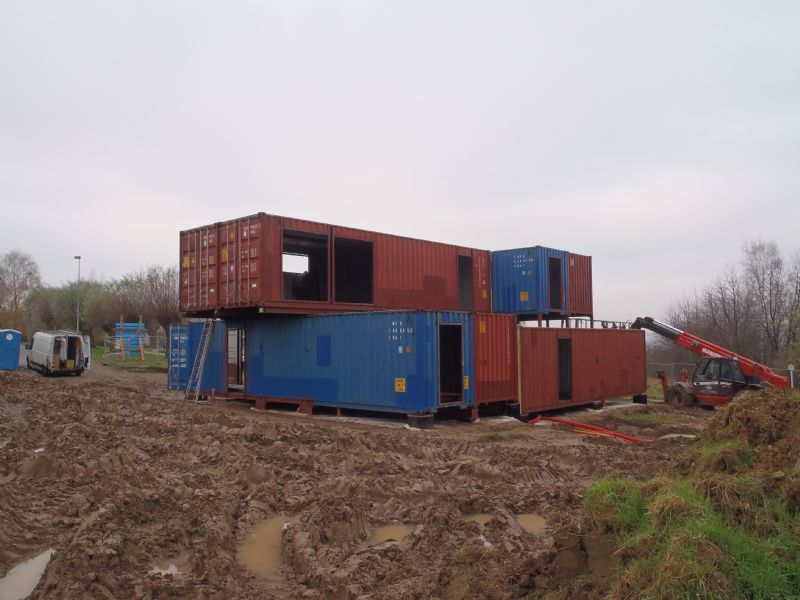 4 logements containers for Logement container